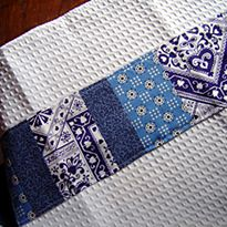 Sewing for the Home ~ Patchwork Kitchen Towels >> These look possibly easy enough for me. :)