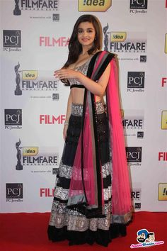 Alia Bhatt @ Filmfare Awards, 2013