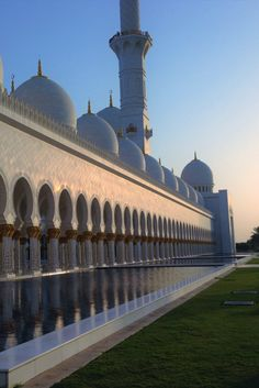 Top things to see and do in the UAE | Sheikh Zayed Grand Mosque | Sunset | UAE | Beautiful Architecture