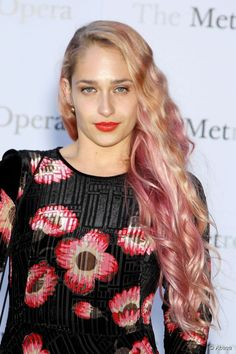 Jemima Kirke's new pink hair, would you try it?