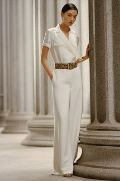Balancing a safari-inspired shirt with wide-leg trousers, the Dinah is Ralph Lauren's modern take on a sophisticated jumpsuit. Discover the Dinah Mulberry Silk Jumpsuit from Collection Pre-Fall 2021. Ralph Lauren Looks, Ralph Lauren Style, Ralph Lauren Collection, Ralph Lauren Outfit, Ralph Lauren Fashion, Ralph Lauren Womens Clothing, Fashion Show, Fashion Outfits, Fashion Pics