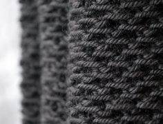 Neat knitting stitch (from the Honey Cowl)