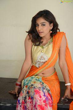 ... Indian Look, Indian Wear, Indian Ethnic, Beautiful Saree, Beautiful Dresses, Hot Poses, Actress Navel, Saree Navel, Half Saree