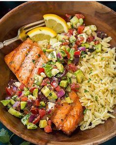 Rice and salmon with veggie salsa