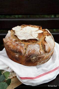 Pszenno-żytni chleb na zakwasie Baked Potato, Snacks, Baking, Ethnic Recipes, Breads, Pizza, Polish, Kitchen, Brot