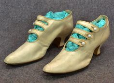antique womens shoes high button Victorian Edwardian squash heel dress sz 7 | eBay Edwardian Shoes, Victorian Shoes, Edwardian Era, Victorian Era, Dress With Boots, Dress And Heels, Vintage Shoes, Vintage Accessories, Shoe Boots
