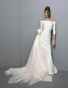 A beautiful Antonio Riva wedding gown. Wedding Dresses Plus Size, Modest Wedding Dresses, Boho Wedding Dress, Bridal Dresses, Wedding Gowns, Lace Wedding, Dream Wedding, 1920s Wedding, Casual Wedding