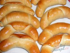 Recept Helenské rohlíčky Hot Dog Buns, Hot Dogs, Sausage, Pizza, Croissant, Bread, Food And Drink, Cooking, Healthy