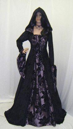 gothic dress vampire dress halloween wedding by camelotcostumes Moda Medieval, Medieval Gown, Medieval Gothic, Medieval Witch, Medieval Times, Fashion Fantasy, Gothic Fashion, Steampunk Fashion, Emo Fashion