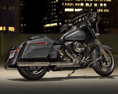 2014 Street Glide® Special FLHXS – Charcoal Pearl
