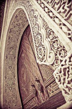 Door frame in Fes by Paki Nuttah on Flickr