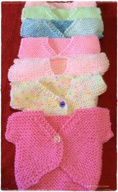 Sweet Little Baby Tops - Free Knitting Pattern Baby Cardigan Knitting Pattern Free, Free Knitting, Baby Patterns, Knit Patterns, Knitting Projects, Crochet Projects, Knitting Ideas, Preemie Babies, Preemies