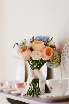 Vintage country wedding, beautiful simple bouquet. Photography by Toast of Leeds.