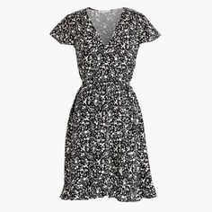 Crew Factory for the Printed ruffle faux-wrap dress for Women. Find the best selection of Women Dresses available in-stores and online. Wrap Dress Outfit, Dress Outfits, Casual Dresses, Dresses For Work, Dress For Success, Faux Wrap Dress, Short Sleeve Dresses, Clothes For Women, My Style