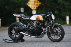 The Evil Twin. Canadian workshop Origin8or Cycles revisits the Honda CB900F to build a cafe racer that perfectly balances retro styling with modern performance. via returnofthecaferacers.com