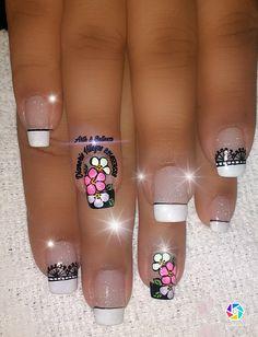 Dark Nails, White Nails, Chevron Nails, Fingernail Designs, Black And White Design, Simple Designs, Lily, Nail Art, Glitter