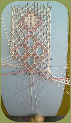 Needle Tatting, Needle Lace, Simple Embroidery, Lace Embroidery, Irish Crochet, Crochet Lace, Bobbin Lacemaking, Bobbin Lace Patterns, Lace Heart
