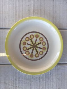 Items similar to Retro Atomic DIshes, Pin Wheel USA Ironstone round platter, Vintage Ironstone Serving Plate, Mid Century Large Chop plate, Atomic kitchen on Etsy Secondary Color, Primary Colors, Serving Plates, Pinwheels, Decorative Plates, Mid Century, Dishes, Band, Retro