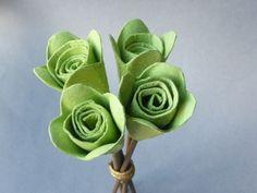 Bouquet de 4 roses éternelles - fleurs de couleur vert anis : Accessoires de maison par recycl-art-by-nathr