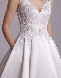 European Wedding Dresses, Muslim Wedding Dresses, Top Wedding Dresses, Wedding Dress Sleeves, Wedding Dress Shopping, Elegant Wedding Dress, Engagement Gowns, Party Wear Indian Dresses, Designer Evening Gowns