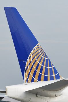 1dee41ceec United Airlines (Continental Airlines) Boeing tail