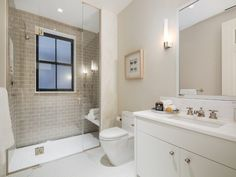 165 Columbia Heights, Brooklyn NY Townhouse - New York City Real Estate Small Full Bathroom, Columbia Heights, Brooklyn Heights, Carriage House, Estate Homes, Home Remodeling, Bathroom Remodeling, Luxury Real Estate, Luxury Homes