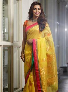 Sari Modern -- saree jackets for women -- CLICK VISIT link to read more -- Kerala Saree, Indian Sarees, Indian Attire, Indian Wear, Indian Dresses, Indian Outfits, Modern Saree, Fancy Sarees, Traditional Sarees