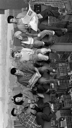lock screen wallpaper wallpaper friends Rachel Ross Monica Chandler Phoebe and Joey Tv show black and white Friends Tv Show, Friends 1994, Tv: Friends, Friends Episodes, Friends Cast, Friends Moments, Friends Series, Friends Phoebe, Old Cartoons 90s