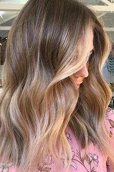 14 Stunning Blonde Balayage Hair Color Ideas These 14 stunning blonde bayalage hair designs are downright gorgeous and will really up your summer lifestyle. Blonde Balayage Highlights, Balayage Brunette, Hair Color Highlights, Hair Color Balayage, Blonde Color, Blonde Balayage On Brown Hair, Blonde Bayalage, Brown Blonde, Haircolor