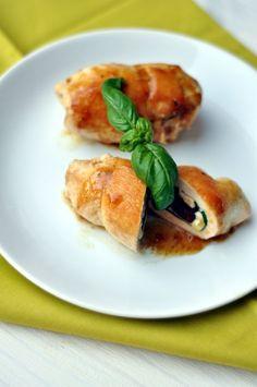Saltimbocca de poulet, tomates confites, basilic et mozzarella