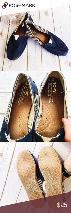 Nautical Toms Shoes ★ GUC  ★ Have been worn a bit.  ★ Slightly smaller than a 10 ★ Reasonable Offers Accepted ★ No Trades TOMS Shoes Espadrilles