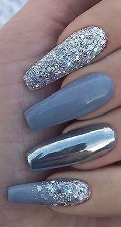 Charming Nails For When You Have Nothing to Try 2019 luxury nails - tj nails - - - Glitter Nailsnailsvibez By julietsaphira_nailartist source Sie si Gold Glitter Nails, Sparkle Nails, Fancy Nails, Simple Acrylic Nails, Fall Acrylic Nails, Stylish Nails, Trendy Nails, Super Cute Nails, Luxury Nails