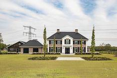 wonen 64 - Bekhuis & KleinJan House Plans 2 Storey, Old Money, Interior Architecture, Villa, House Exteriors, Mansions, House Styles, Castles, Building