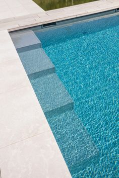 Vosselaar_looy 1060_hr Swimming Pool Steps, Swimming Pool Designs, Swimming Pool Architecture, Small Pool Design, Backyard Pool Designs, Modern Pools, Small Pools, Dream Pools, In Ground Pools