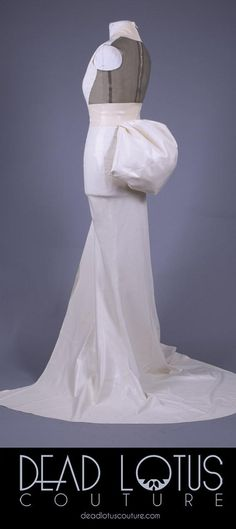 KUKIKO Skirt – White latex long elegant skirt with split and back tail Bella Dresses, Wedding Kimono, Short Kimono, Latex Fashion, White Skirts, Formal Dresses, Wedding Dresses, Body Shapes, Color Combinations