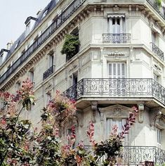 Ah Paris — the white architecture, the black iron windows and the flowers. Peace and beauty / Paris Paris France, Paris 3, Paris Love, Montmartre Paris, Paris City, Oh The Places You'll Go, Places To Travel, Places To Visit, Famous Castles