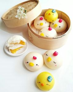 Custard filled chick steamed buns by WanwanTea ( Cute Desserts, Delicious Desserts, Yummy Food, Steamed Cake, Steamed Buns, Japanese Sweets, Japanese Food, German Cookies, Cute Buns