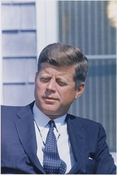Our Presidents : 2 Septembre. President interviewed by Walter Cronkite. President Kennedy ( close-up ). By Cecil W. Robert Kennedy, Kennedy Jr, Jfk Jr, Greatest Presidents, American Presidents, Die Kennedys, Donald Trump, Celebridades Fashion, Familia Kennedy
