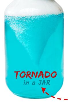 Wow the kids and make a tornado in a jar! This simple science activity is great for kids of all ages and contains the mess- gotta love that! - Education and lifestyle Science Experiments For Preschoolers, Science Projects For Kids, Cool Science Experiments, Preschool Science, Lessons For Kids, Science For Kids, Science Nature, Summer Science, Science Education