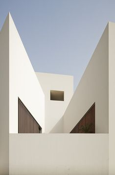 Join buildyful.com - the global place for architecture students.~~Star House byAG