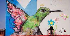 """O artista paulista L7m começou a fazer arte de rua fora do Brasil há quatro anos e, neste tempo, já rodou o mundo: suas obras """"estão espalhadas por todos os continentes, menos a Antárdida"""", conta ele. Acima, é possível ver o mural """"4 Estações"""", que ele pintou na cidade de Minsk, capital de Belarus (antiga Bielo-Rússia), uma ex-república soviética e hoje um dos países menos conhecidos da Europa. """"A obra fala sobre estados de espírito como instabilidade e pureza"""", conta ele. O mural está…"""