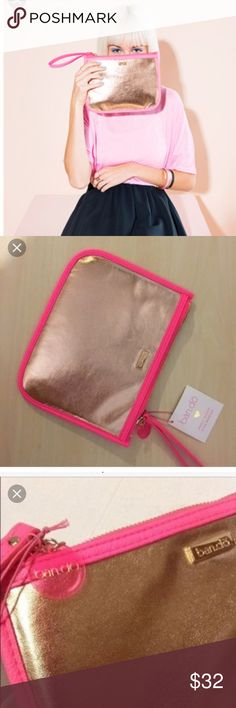 ban.do BANDO clutch Wristlet Rose Gold w Neon Pink Authentic💖👀⭐️msrp $40 NWT 💖Ban.do BANDO Fancy Clutch with Wristlet Rose Gold wNeon Pink --⭐️⭐️ Add some GLAM 2your look & Prepare to Be Admired💖 The Ban.do Fancy clutch w wristlet Adds zest & color to any look ⭐️⭐️Ban.do specializes in creating gifts&accessories that pack a stylish punch. 💖Pop on a Ban.do&prepare yourself4the zillions of compliments you're going2get! 🌀matching LARGE TOTE SOLD SEPARATELy- (only3totes left !)…
