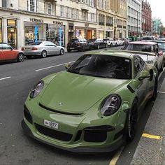 """5,571 Likes, 12 Comments - Porsche Club (@porscheclub) on Instagram: """"Photo via @supertweaks"""" #porscesupercar"""