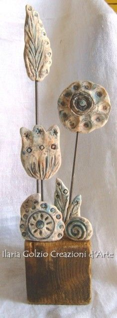"""Scultura della serie """"GIARDINI SEGRETI"""" - Terracotta, metallo, legno - Altezza Cm.30"""