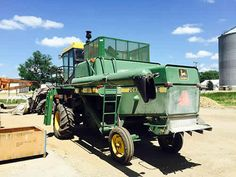 John Deere 4420 combine salvaged for used parts. This unit is available at All States Ag Parts in Hendricks, MN. Call 877-530-6620 parts. Unit ID#: EQ-24613. The photo depicts the equipment in the condition it arrived at our salvage yard. Parts shown may or may not still be available. http://www.TractorPartsASAP.com