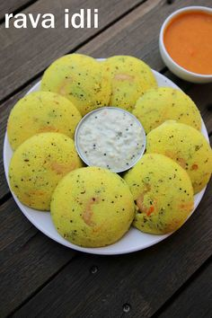 how to make rava idli recipe, instant semolina idli with step by step photo/video. simple & healthy south indian idli recipe with semolina or sooji batter. Veg Recipes, Spicy Recipes, Vegetarian Recipes, Cooking Recipes, Savoury Recipes, Dinner Recipes, Rava Idli Recipe, Chaat Recipe, Burfi Recipe