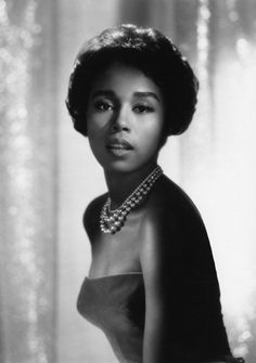 Ruby Dee- so glamourous and classy!