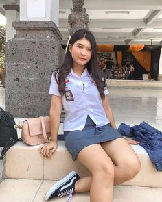 All Girls School, School Girl Dress, Beautiful Japanese Girl, Beautiful Asian Girls, School Uniform Outfits, Indonesian Girls, Teen Girl Outfits, Girl Hijab, Sexy Asian Girls