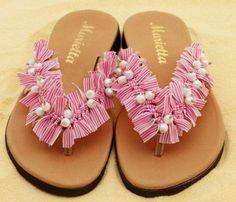 . Kids Sandals, Cute Sandals, Flip Flop Sandals, Recycled Shoes, Flip Flop Craft, Crochet Flip Flops, Shoe Makeover, Decorating Flip Flops, Pom Pom Sandals