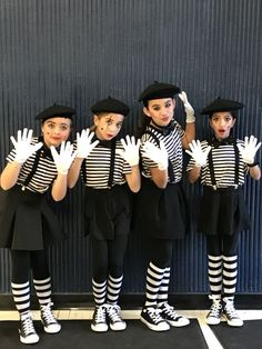 Halloween Mimes Source by Related posts: Sun and moon diy easy Halloween costumes. Halloweekend Wizard of Oz – Halloween Costume Contest at … Circus Halloween Costumes, Circus Costume, Carnival Costumes, Halloween Kostüm, Clown Costumes, Family Costumes, Group Costumes, Diy Costumes, Costumes For Women